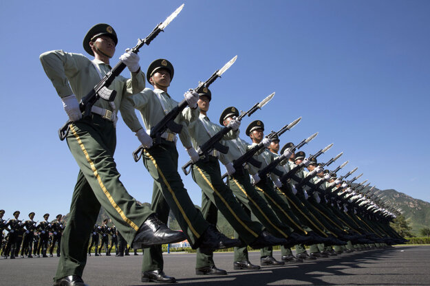 Čína - vojenská prehliadka