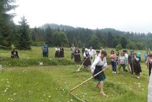 V súboji sa v skanzene stretnú štyri kategórie  koscov nielen z Kysúc, ale aj z Oravy a iných kútov Slovenska.