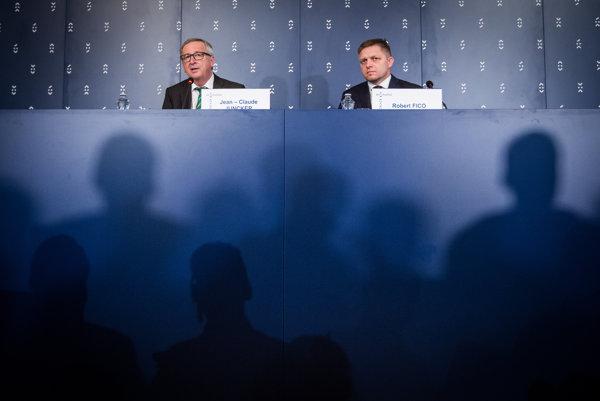 Predseda EK Juncker a premiér Fico.