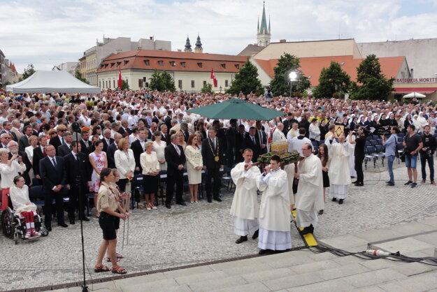 Cyrilo-metodskej národnej púte sa zúčastnili zástupcovia cirkví, predstavitelia štátu, samosprávy, mesta, diplomatického zboru, partnerských miest Nitry a ďalší hostia zo Slovenska i zahraničia.