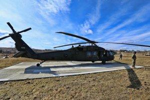 Vrtuľník UH-60 Black Hawk.