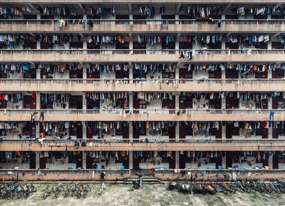 2. miesto kategória Mestá. Stíšenie. Záber internátu v čase obednej pauzy v juhočínskom Guangzhou.