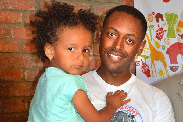 Mikias Tesfaye. Pochádza z Etiópie, vyštudoval elektroenergetiku na TU.
