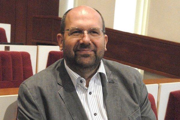 Riaditeľ K13 Ján Kováč zotrvá na pozícii riaditeľa.
