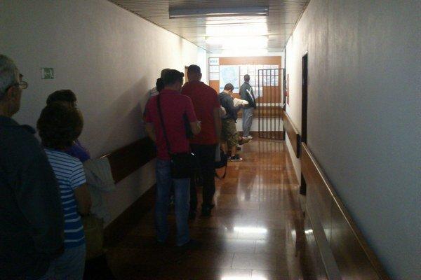 Pracovisko EEI na magistráte. Ráno sme tam zastihli sedemnásť ľudí, okolo obeda iba dvoch.