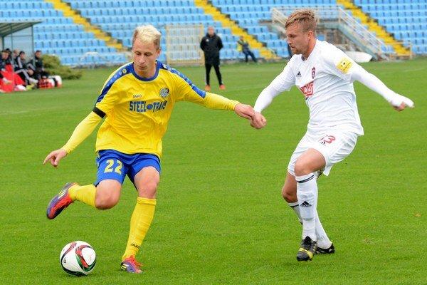 Filip Serečin. Košický odchovanec (vľavo) sa dohodol s Michalovcami do konca sezóny.