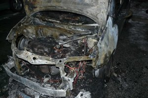 Podpálený Opel Corsa. Zhorel na objednávku.