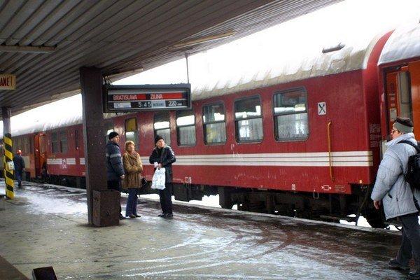 Košická stanica. Overte si príchody a odchody vlakov, došlo k zmenám.