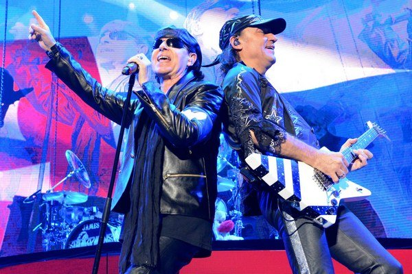 Matthias Jabs a Klaus Meine. Koncert Scorpions bol najväčším rockovým sviatkom roka.