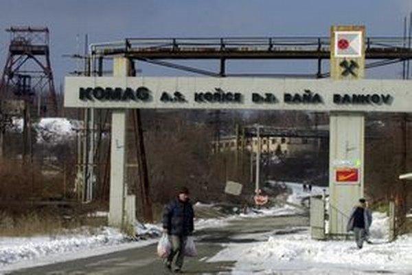 Baňa Bankov, odkiaľ vedie lanovka na Magnezitársku ulicu.