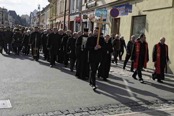 Veľkopiatkový ekumenický pašiový sprievod v centre Košíc usporiadalo Ekumenické spoločenstvo cirkvi na území mesta Košice.
