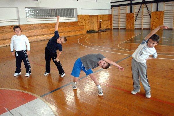 Deti v telocvični. Žiaci z Košíc a okolia sa môžu tešiť na vynovené telocvične.