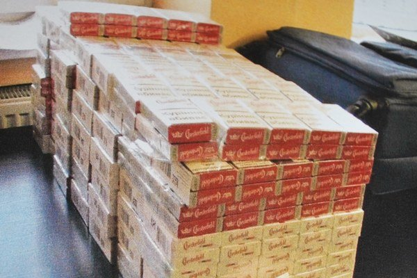 Pašované cigarety. Lotyš ich mal takmer 15–tisíc.