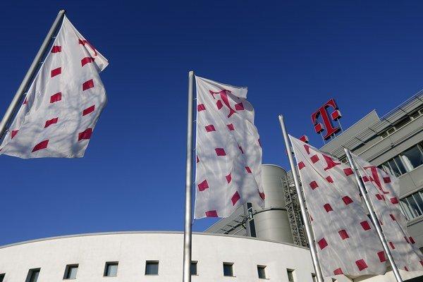 Smer očakával za 49 percent akcií v Telekome jednu miliardu eur, na burze mal podiel výtlak iba 750 miliónov eur. Akcie preto predajú bez súťaže.