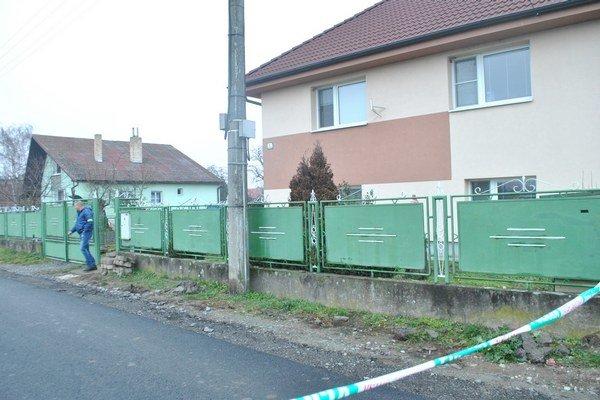 Na tento dom strieľali. Polícia rozbehla vyšetrovanie.