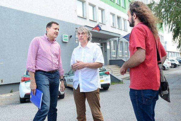 Lipšic, Kalmus, Lorenz. Stretli sa pred včerajším výsluchom v Košiciach.