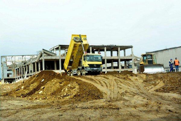 Výstavba Kauflandu. Okrem supermarketu vznikne obchodná galéria.
