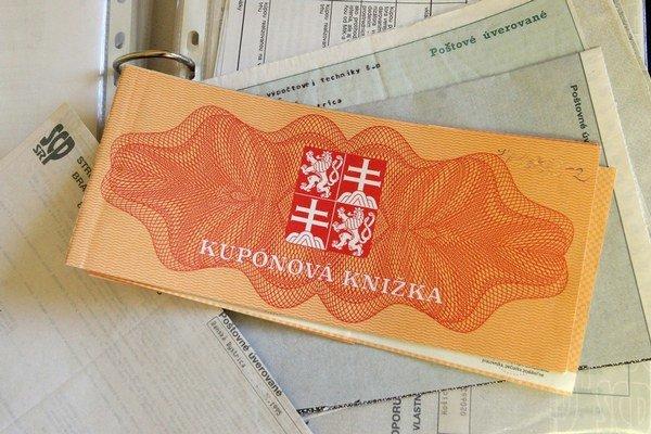 Ročný poplatok za vedenie účtu v depozitári cenných papierov je 12 eur.