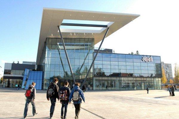 Aupark v centre Košíc. Náklady na výstavbu predstavovali približne 120 miliónov eur.