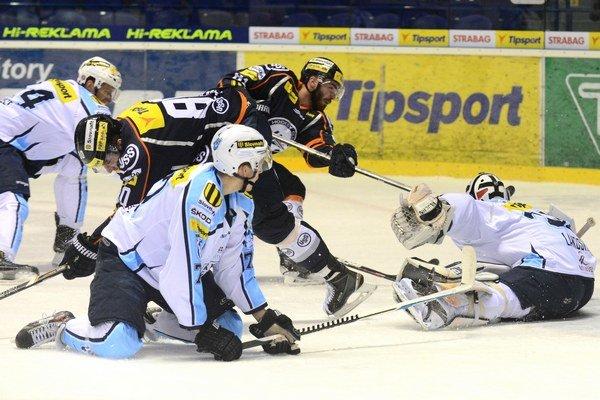 Útočník oceliarov už opäť dáva góly. Adam Lapšanský patrí k ťahúňom košickej ofenzívy.