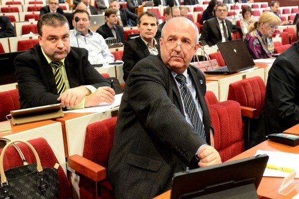 Skúsení poslanci Marián Gaj a Emil Petrvalský. Prvý je aj starosta Severu, druhý exstarosta Sídliska Ťahanovce.