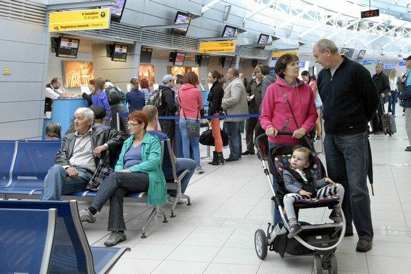 """Na letisku to """"žije"""". Za pol roka prepravili vyše 124 000 cestujúcich."""