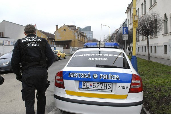 POJ-kári. Ochraňujú nielen Košičanov, ale i svojich kolegov z MsP.