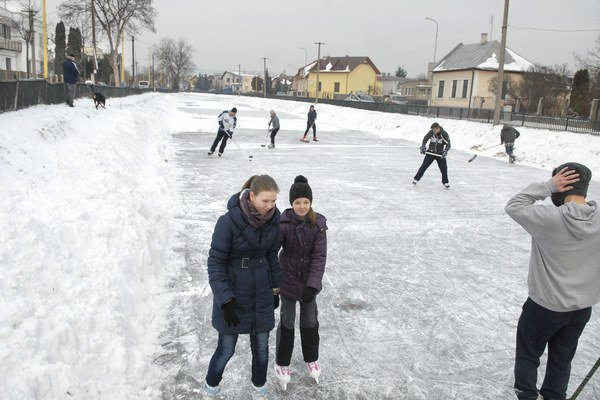 Na Mlynskom náhone sa korčuľuje.