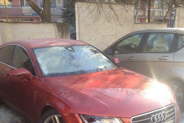 Toto auto zabíjalo. Polícia zisťuje, kto ho šoféroval.