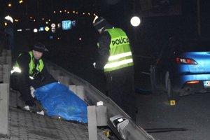 Mŕtvy na priechode. Ako k nešťastiu došlo vyšetruje polícia.