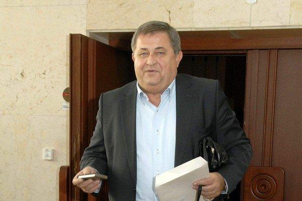 Exposlanec Farkašovský. Bývalý šéf klubu Smeru dostal miesto vo finančnej komisii.