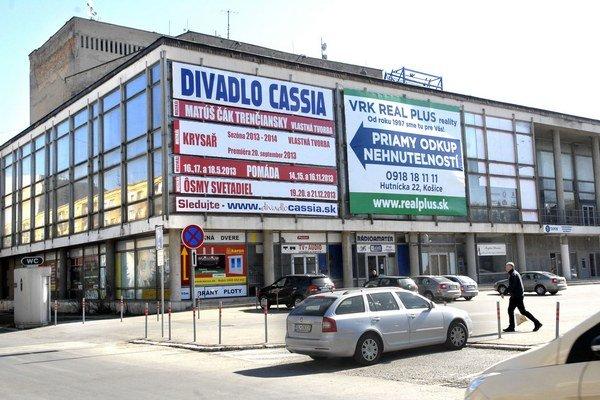 Budova má nového správcu. Ten si trúfa nahradiť činnosť odchádzajúceho Divadla Cassia.