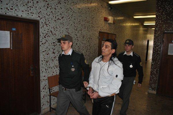 Ivan na krajskom súde. Potvrdili mu 10 rokov.