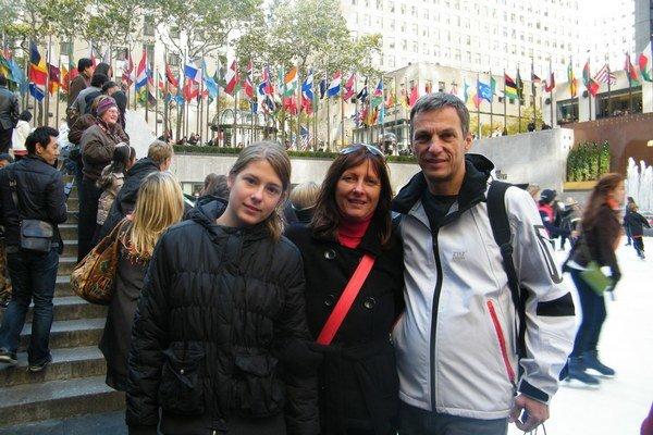 New York. S najmladšou dcérou Zorkou a manželkou Ivetou.