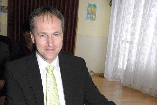 Poslanec Sekáč (SDKÚ) kritizuje, že zadlžená Furča míňa peniaze na kultúru spojenú s pivným festivalom.