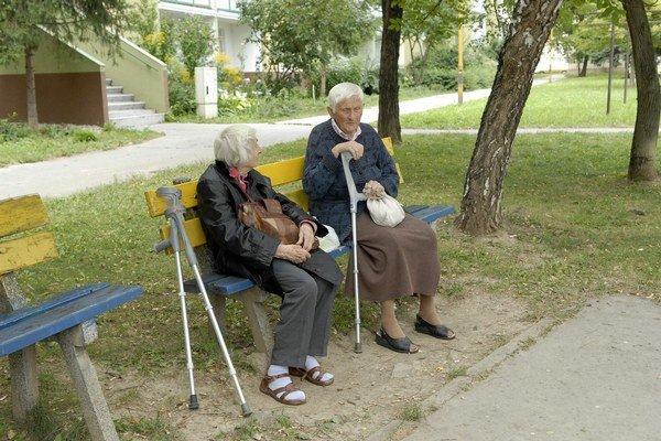 Zamerané na starkých. Aj vyšší vek sa dá prežiť šťastne.