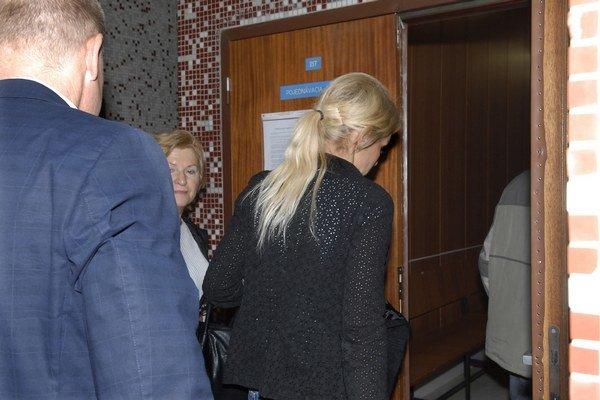 Kristína Vencelová tvrdí, že len plnila pokyny a poškodených jej je ľúto.