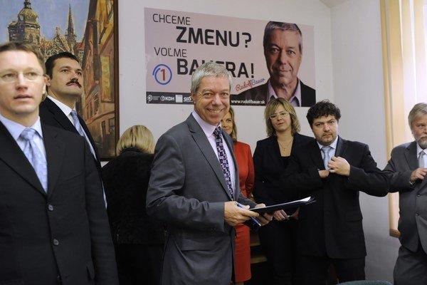 Rudolf Bauer dokázal to, čo už dávno nikto nie - zjednotil aspoň pre druhé kolo volieb košickú pravicu.