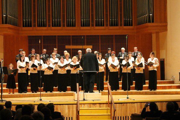 Zbor vstupuje do ďalšieho roka existencie. Rok 2014 oslávia Novoročným koncertom.