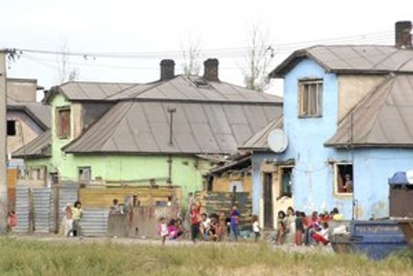 Rómske osady. Ich obyvateľov charakterizuje nadváha, fajčenie a srdcovo-cievne problémy.