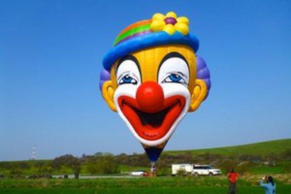 Nový maskot Balón klubu. Bude ho pilotovať skúsený Ľubor Lelovits, ktorý sa podieľal aj na jeho grafickom návrhu.