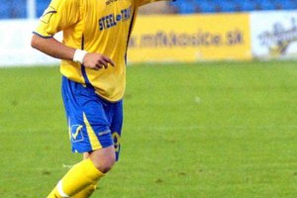 Erik Pačinda. Opäť si oblečie žlto-modrý dres MFK.