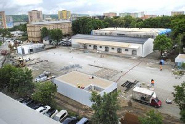 Kulturpark 5. júna. Do 15. júla musí byť hotový.