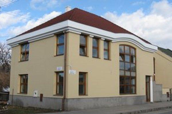 Družstvo v Moldave. V októbri tu polícia zabezpečila písomnosti a počítače.