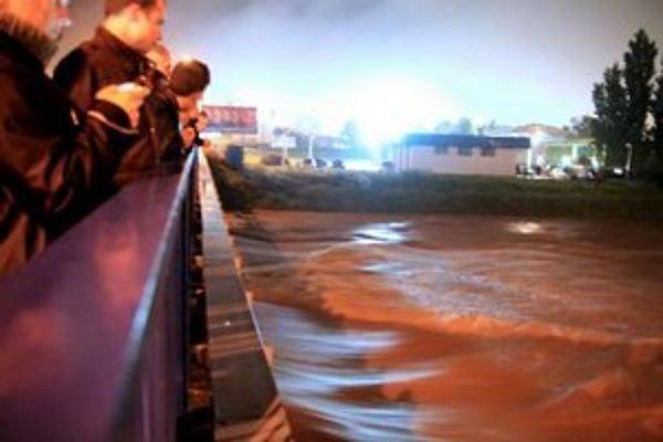 Hornád v Košiciach počas povodne v júni 2010.