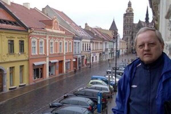Každým cólom Košičan. Advokát Vanko má ku Košiciam srdcový vzťah, tu sa narodil, študoval, tu má rodinu i mnoho dobrých priateľov.