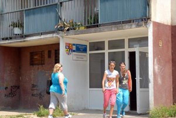 Krízové centrum, Prechádza zo župy do mesta.