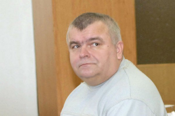 Peter Bozogáň. Hlavný tréner a poslanec si konflikt záujmov neuvedomil.