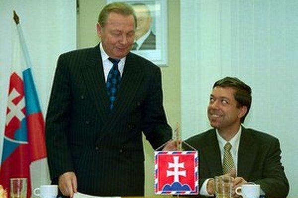 Rudolf Schuster aj Rudolf Bauer zodpovednosť za dlh popierajú.
