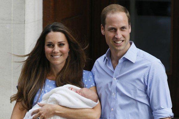 Kate Middleton s princom Williamom a malým princom Georgom